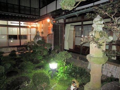 大正楼中庭ライトアップ