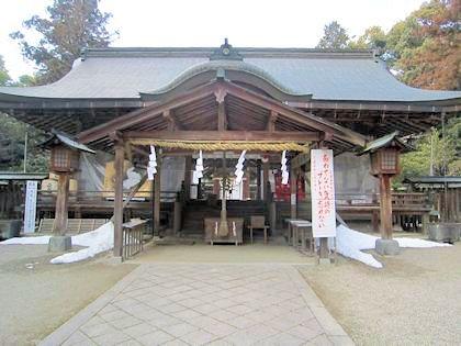 大和神社拝殿