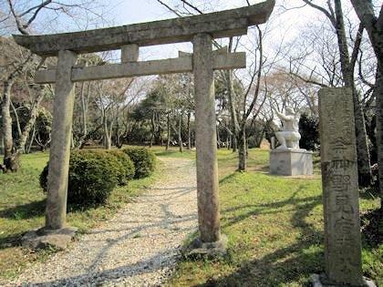 相撲神社鳥居