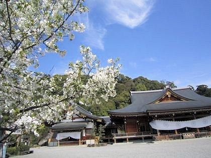 大神神社祈祷殿と儀式殿