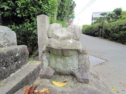 長尾神社のなで蛙