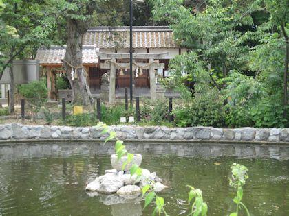 角刺神社の鏡池
