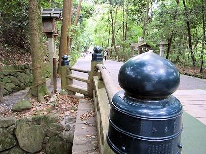 大神神社の御手洗橋
