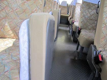 送迎バスの補助席
