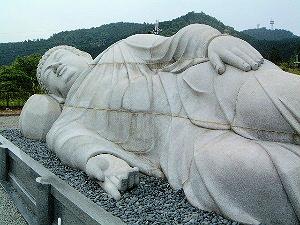 壷阪寺の大涅槃像