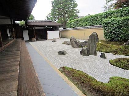 大徳寺瑞峯院の独坐庭