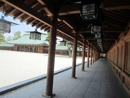 橿原神宮の回廊