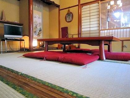 客室吉野の敷居と床の間