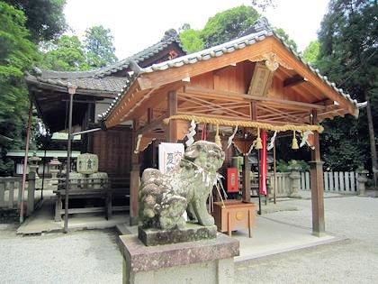 鴨都波神社拝殿