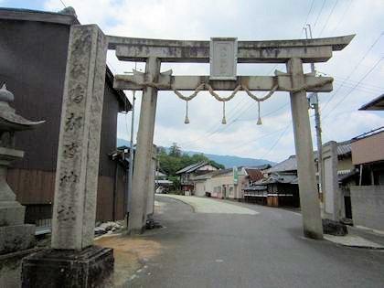 鴨都波神社の鳥居
