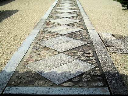 唐招提寺御影堂の石畳