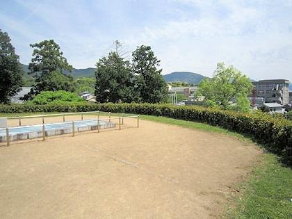 黒塚古墳墳丘からの三輪山遠景