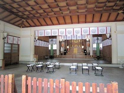 坐摩神社拝殿