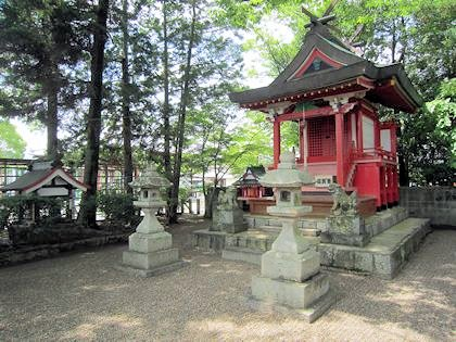 熊野神社と役行者産湯の井戸