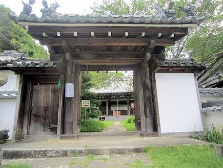 神童寺山門