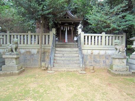 森神社の祠