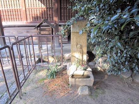 伝香寺の片袖地蔵