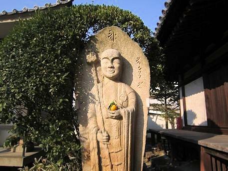 伝香寺の由留木地蔵