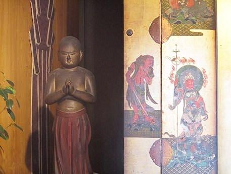 伝香寺の南無仏太子像
