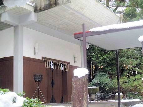 岡崎神社の儀式殿
