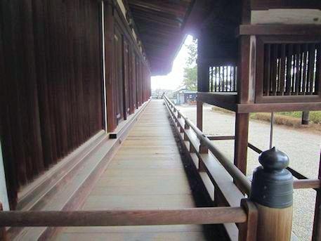 法隆寺三経院と西室