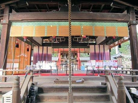 氷室神社の拝殿・舞殿