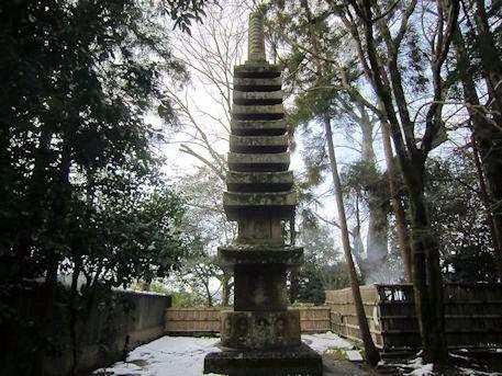 法然院石塔