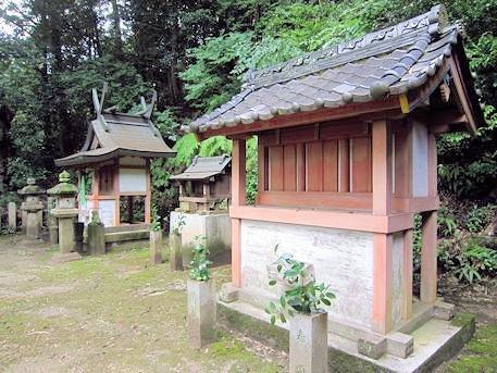 弘仁寺の滝蔵神社