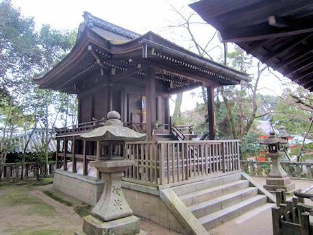 高良神社本殿