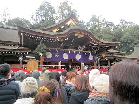 大神神社の豆まき
