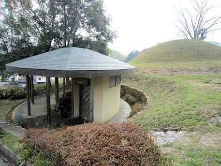 マルコ山古墳のトイレ