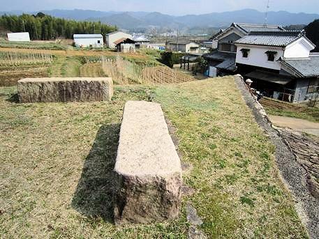 マルコ山古墳のベンチ