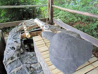鴨都波神社の手水舎