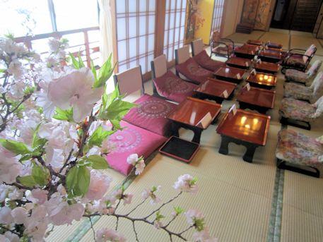牡丹桜と披露宴会場