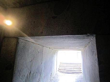 文殊院西古墳のライト