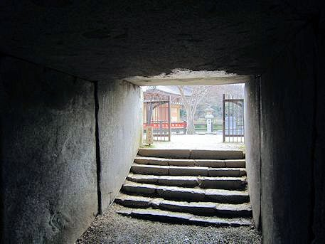 文殊院西古墳の羨道