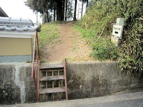 菖蒲池古墳のアクセス道