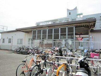 近鉄忍海駅の駐輪場