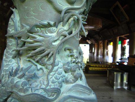 長谷寺礼堂の龍