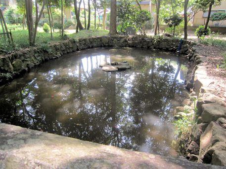 鏡作神社の鏡池