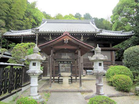 子嶋寺本堂