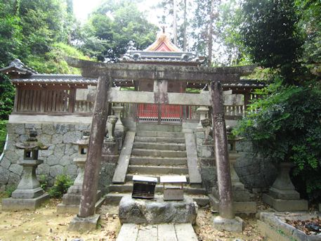 高皇産霊神社本殿