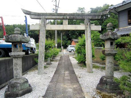 高皇産霊神社の鳥居