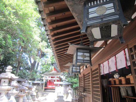 鏡作神社の吊り灯籠
