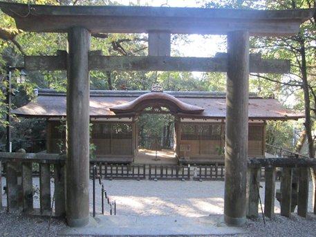出雲建雄神社割拝殿