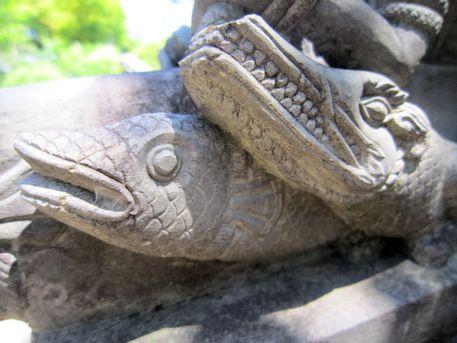 久米寺手水のワニ