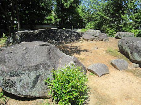 久米寺の大塔礎石