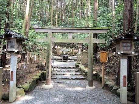 大神神社の磐座神社