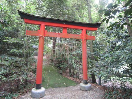 物部神社の鳥居