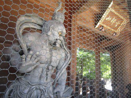 久米寺山門の仁王像
